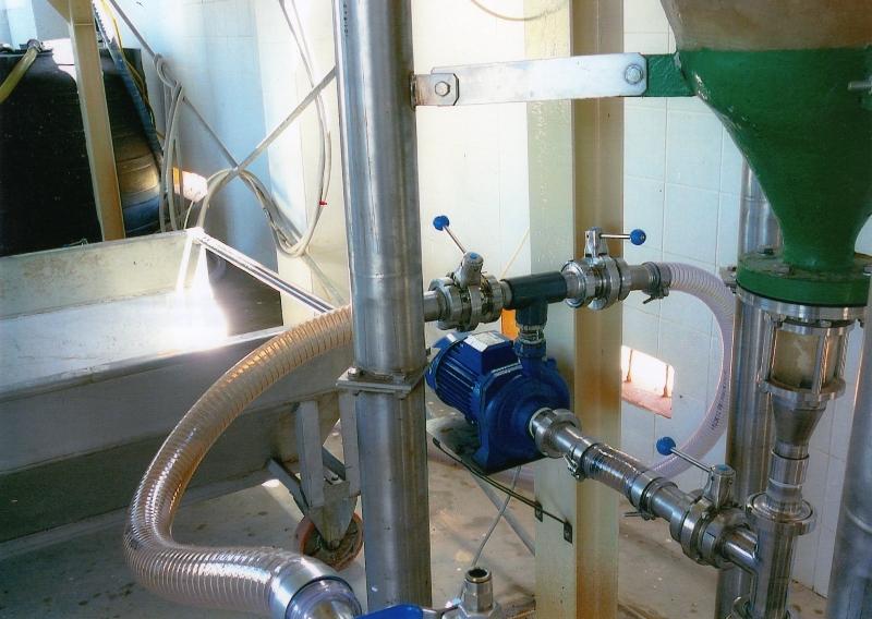 5. foto inizio del filtraggio del materiale aurifero